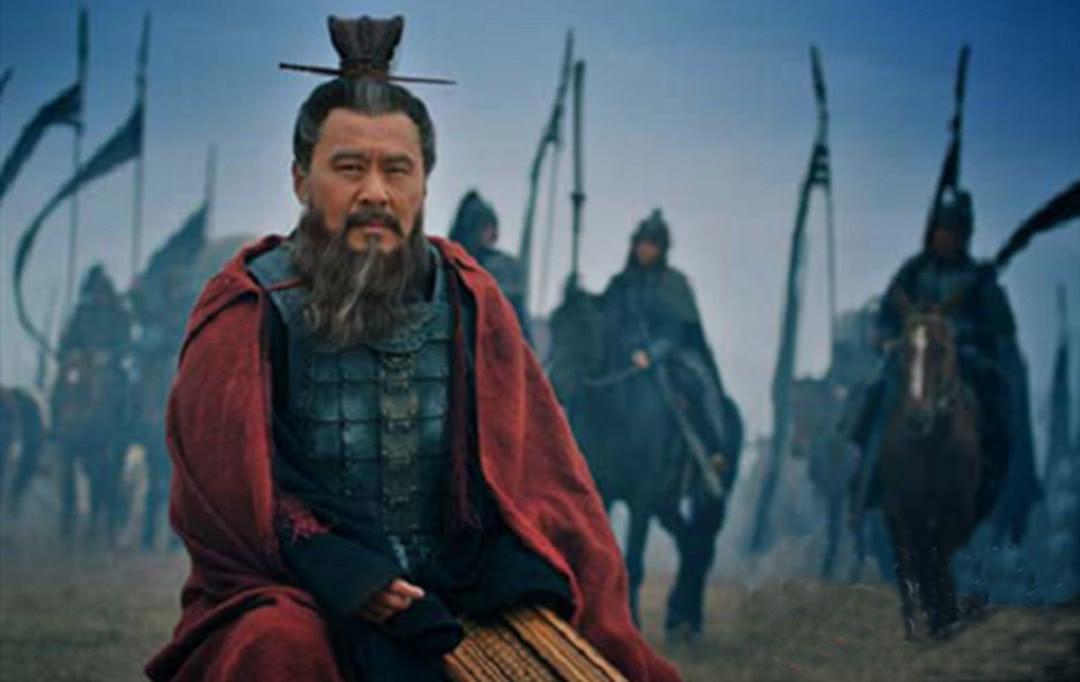 為何一代梟雄曹操,把屢戰屢敗的劉備視為英雄?分析其真實用意