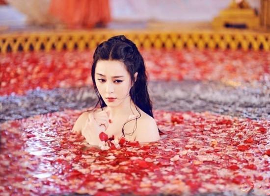 十位古代美女沐浴大pk,哪种画风最迷人