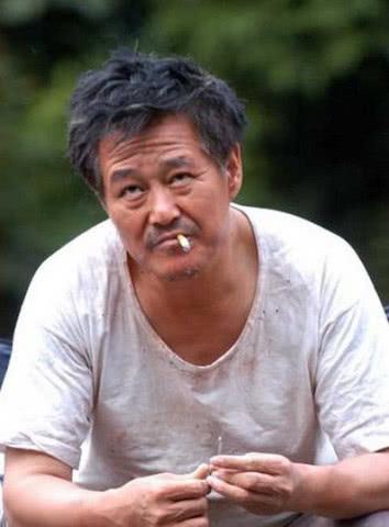 """24岁就演赵本山老婆,获""""视后""""嫁给导演,生完孩子无戏可拍"""
