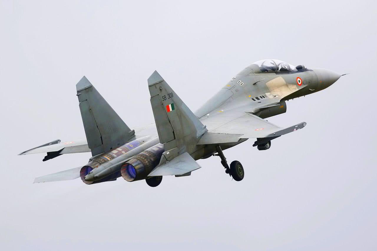 <b>400家工厂倒闭,印度航空研发遭重创,歼20成遥不可及的目标</b>