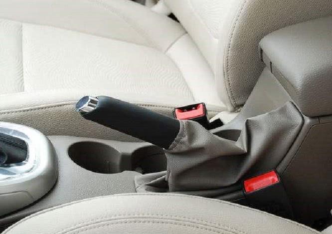 这4个手刹使用技巧,老司机也不一定全会,新手学一下!