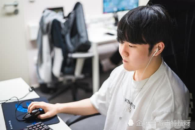 Rooike直播韩服让网友得出一个大胆结论:极致天赋怪只有四人
