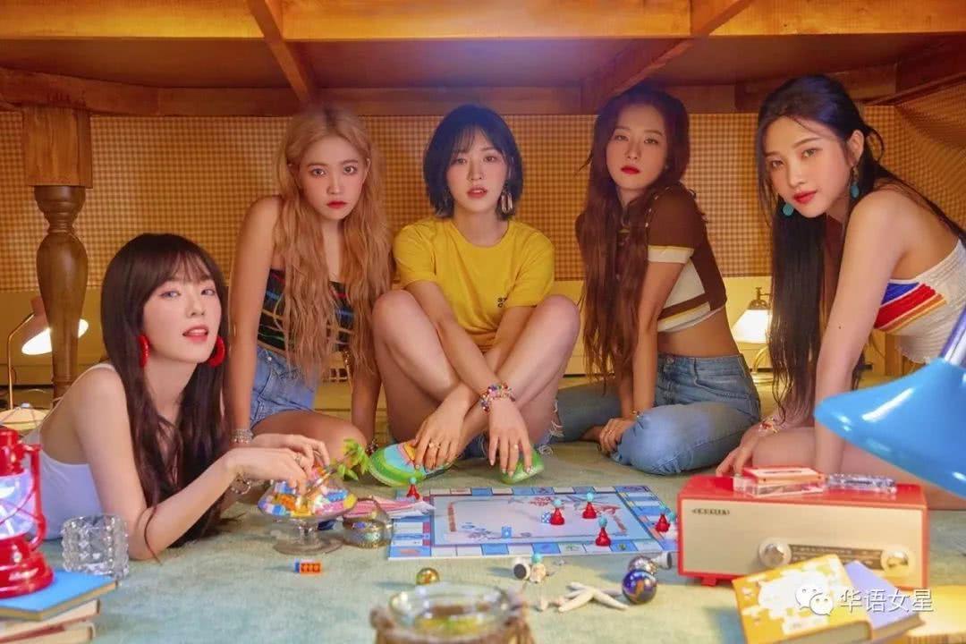 """Summer Queen""Red Velvet获得IDOL CHART榜单1位!"