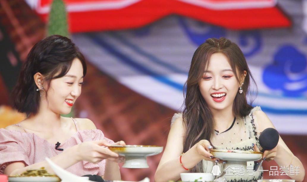 吴宣仪节目中做菜,这个细节暴露真实厨艺,王一博的话真相了!