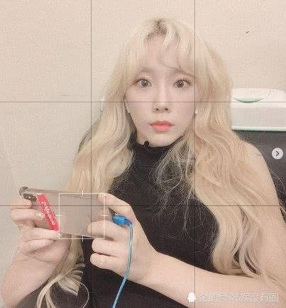 """金发妖精?少女时代金泰妍 SNS 晒照被赞""""净化心灵的美貌"""""""