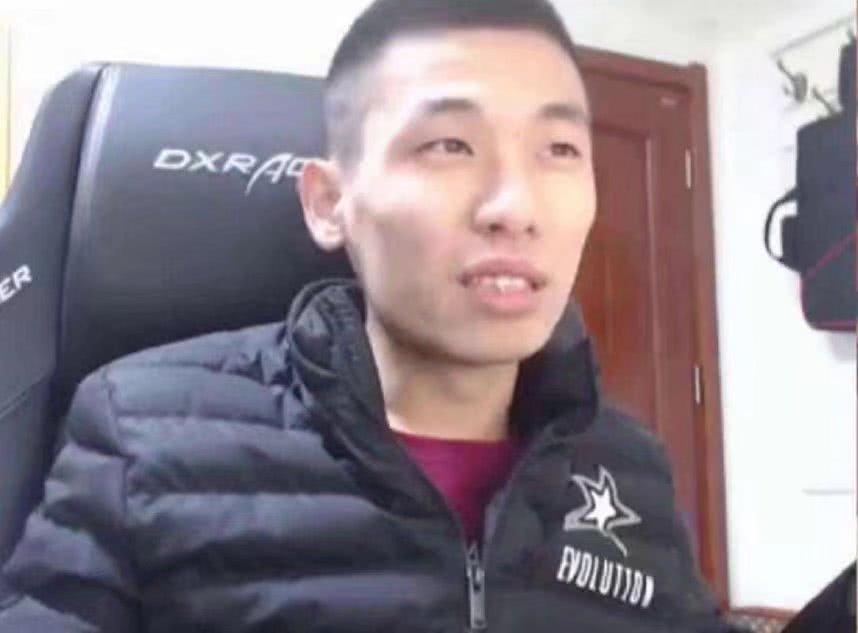 DNF:旭旭宝宝又遇开挂玩家,警告对方:顶风作案,你号没了!