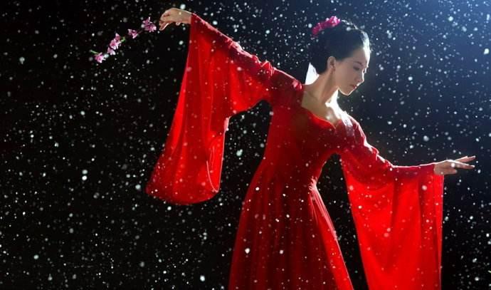 歌女苦苦哀求从良,苏轼微微一笑,填写了这首千古流芳的藏头词