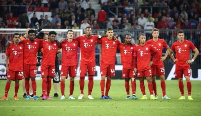 拜仁沦落到0巨星加盟地步!极端情况只剩17人 替补席都坐不满
