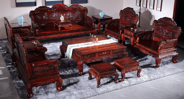 <b>一套红木家具多少钱这是我们买红木家具前必须了解的常识</b>