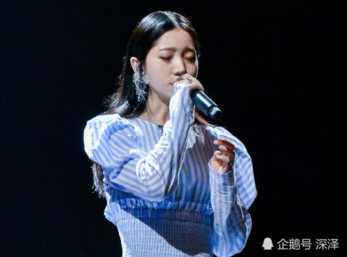 <b>参加《明日之子》前,冯希瑶曾获好声音赛区冠军,实力被导演肯定</b>