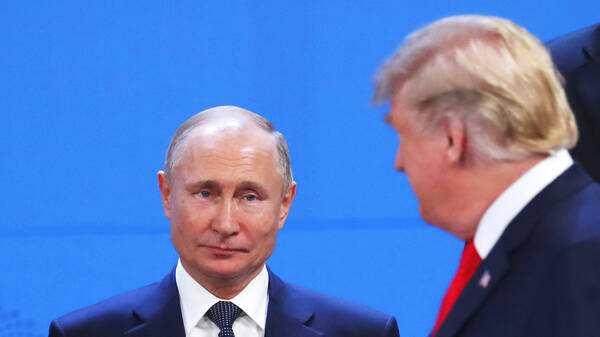 意外,普京刚挂特朗普的电话,美国的制裁又来了!