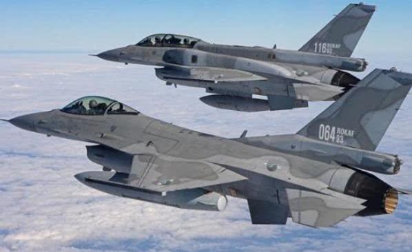 """无视警告,俄轰炸机两度""""侵犯""""韩国领空!韩战机果断直接开火!"""