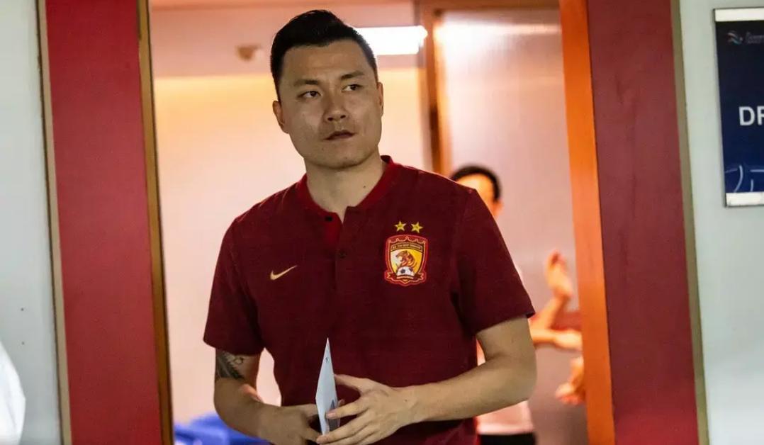 郜林将会逐步从国足与广州恒大的阵容中淡出,毕竟他已经33岁了