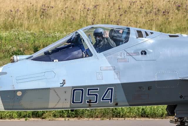 苏-57遭F-16I羞辱,证实五代机两大最关键要素,歼-20收获好消息