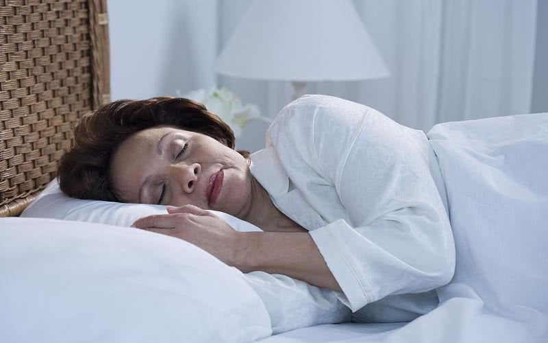 晚上几点睡觉算熬夜?提醒:超过这个点不睡觉,那就可以算是了
