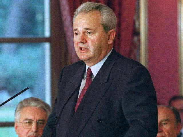 <b>米洛舍维奇曾想加入俄白联盟,为何宁可被抓,而不去俄罗斯避难?</b>