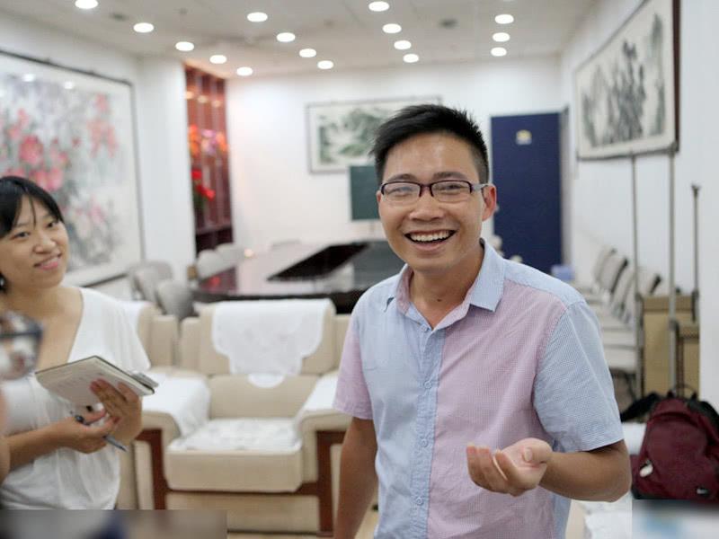 广西考生8年复读只考清华,32岁如愿读机械专业,毕业后当老师