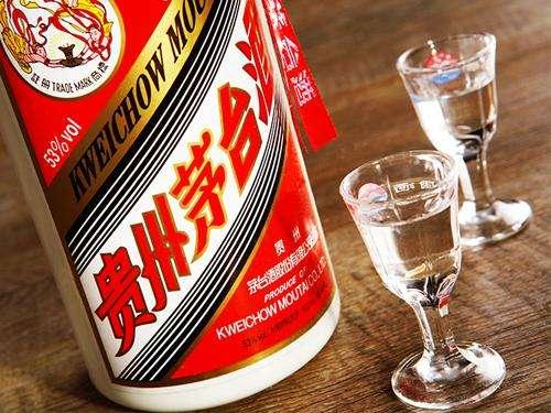 中国零售界超级黑马出现:创始人如今是江苏首富,身价950个亿