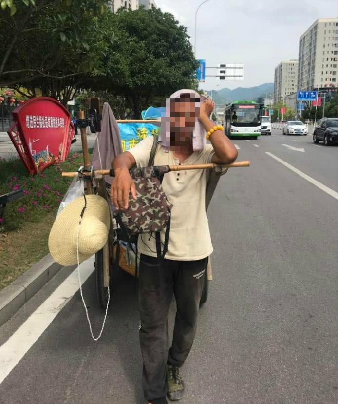 厉害了!大叔拉板车徒步从河南走到缅甸