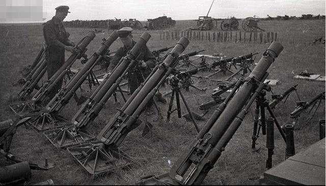 日军缩进碉堡防守,苏军久攻不下,一中国老农路过:这有何难?