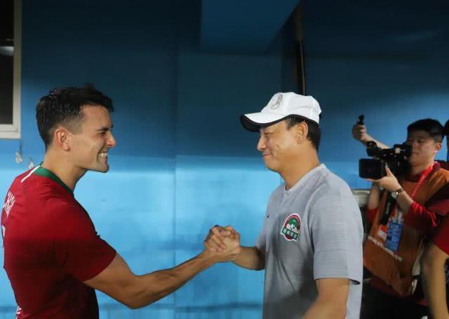 <b>他堪称河南建业赛季最佳国内引援 能攻善守被誉为中超杰拉德</b>
