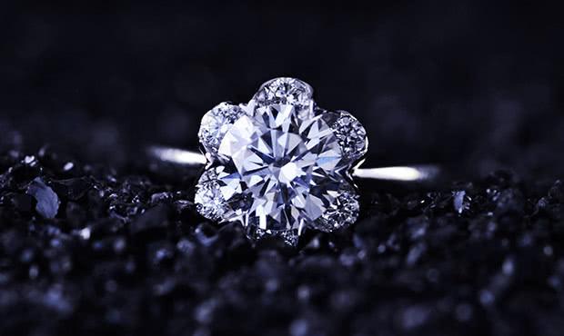 求婚钻戒选什么材质会比较好?就k金好还是铂金好呢?