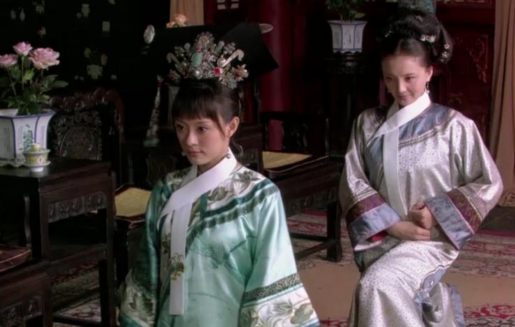 甄嬛被翻牌子给皇后行礼,她的欲言又止好有心机