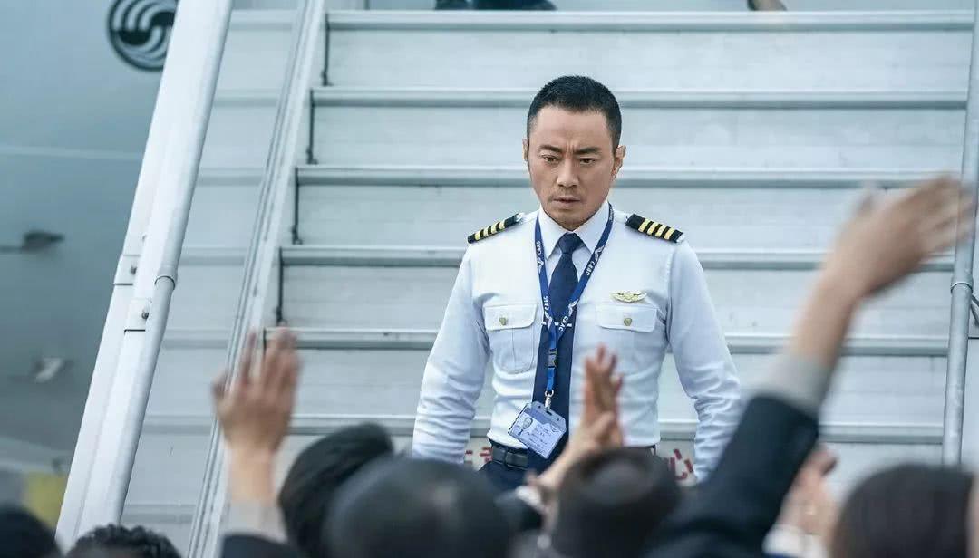 上映3天累计票房破8亿,《中国机长》仍在加速!