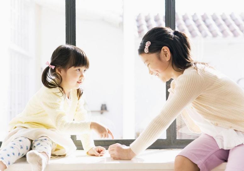 """二孩家长注意:不要总提倡""""大让小"""",会让孩子产生无止境比较"""