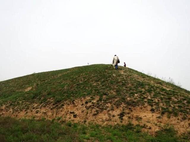 白虎嘴崖墓出土一种奇门兵器,它为何会消失,理由想不到