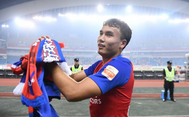 斯威小将入选世预赛名单,21岁是中超主力,或成第二位新疆国脚