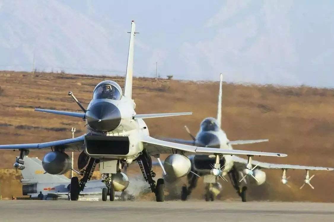 四国精英齐聚圣彼得堡,歼-10改良96纷纷亮相,俄:较量开始