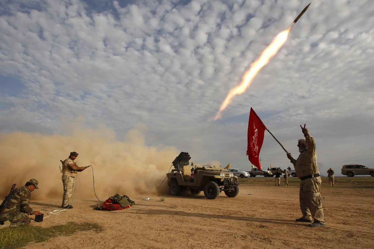 240毫米火箭砸向美基地,美警告不排除一战,伊朗:敢动试试