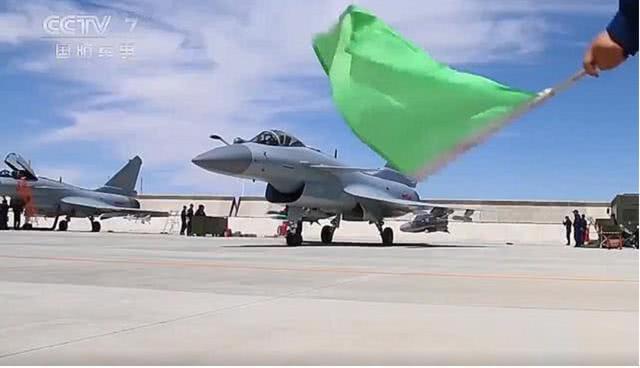 央视:歼-10B装备反航母杀手锏,100公里外目标2分钟命中