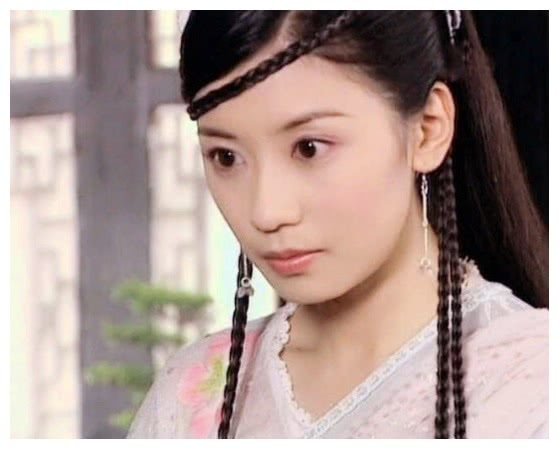 <b>古装女神辫子造型,林心如水灵,王艳柔情,看到蔡少芬,惊为天人</b>