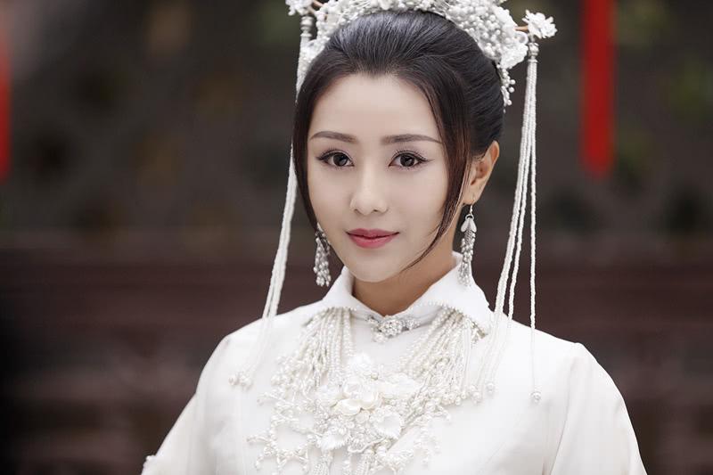 <b>陈圆圆失踪之谜终于揭开,果然是逃走了,如今在贵州深山发现她的墓地</b>