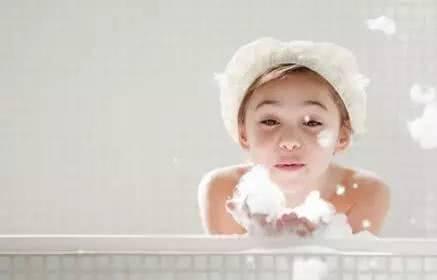 不管天气多热,这五种情况不适合给宝宝洗澡,不然会害了他!