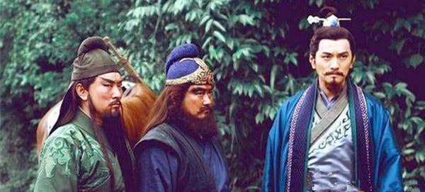 <b>刘备与中山靖王刘胜相距近三百年,为何当时无人质疑刘备的出身?</b>