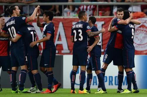 <b>法甲联赛欢乐足球,游戏剧本都不敢这么写,里昂的进球宇宙级的</b>