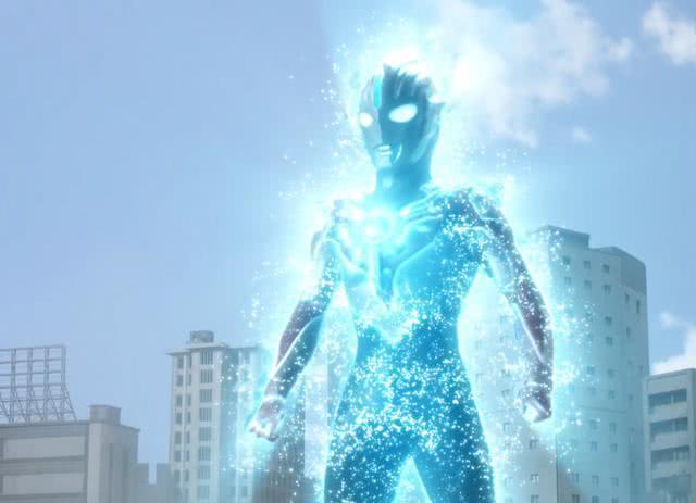 <b>泰迦奥特曼借力光线汇总 布鲁奥特曼演员吐槽:嫌我光线水?</b>