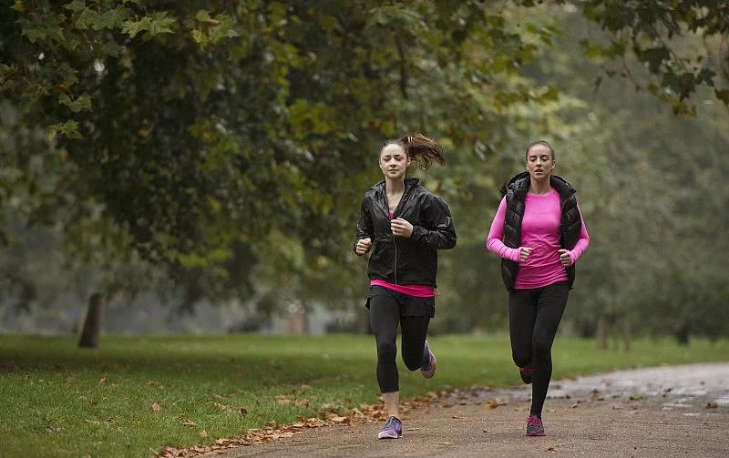 为何有些人坚持跑步,体质却越来越差?请记住跑步前做好这些准备