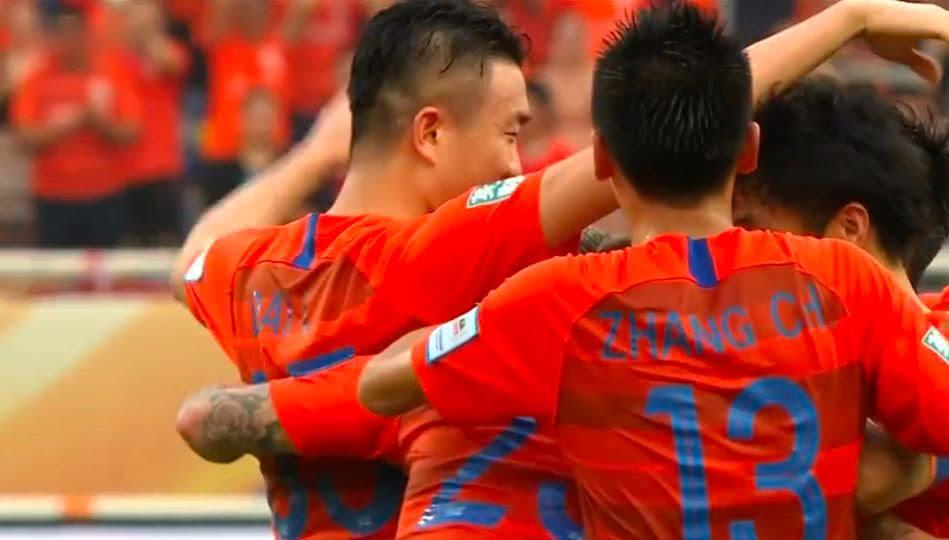扎心了!国安1:2鲁能,继亚冠后足协杯又出局,联赛还有戏吗?