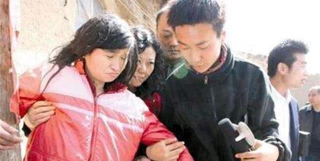 """4次被拐卖的四川女子曹小琴,被整个村子""""囚禁"""",现在怎么样了"""