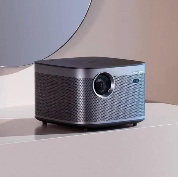 极米连发 3 款投影仪新品:主打高画质、高亮度、易用性