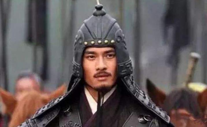 他是乱世枭雄,19岁当大将军,篡位前被厨子刺死,儿子是兰陵王