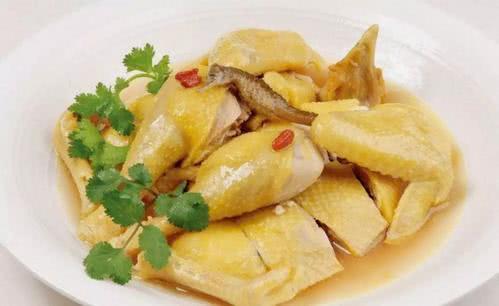 想吃盐焗鸡?就在家里做,粤菜大厨教你三步做出美味,百吃不腻!