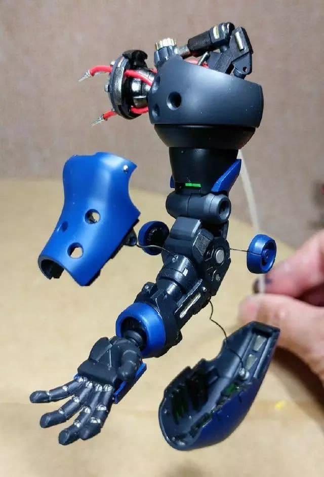 模玩控:脑洞高达模改作品,MG京宝梵说明书中的机械设定解构
