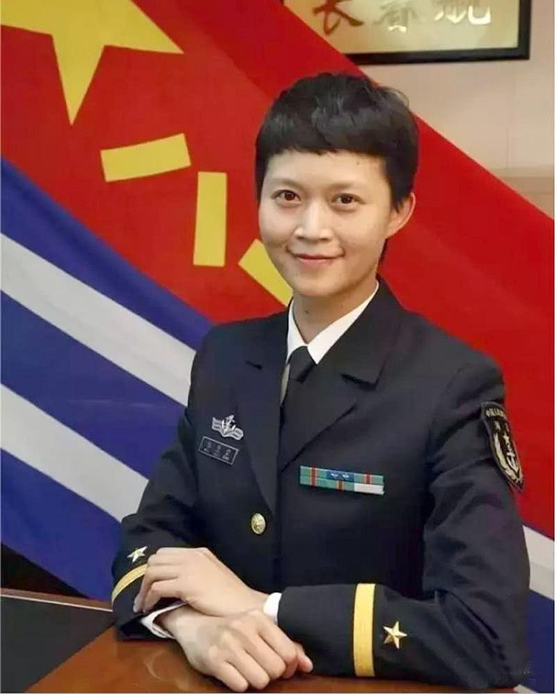 中国首位女舰长:南京大学本科,中山大学博士,不后悔做过的事