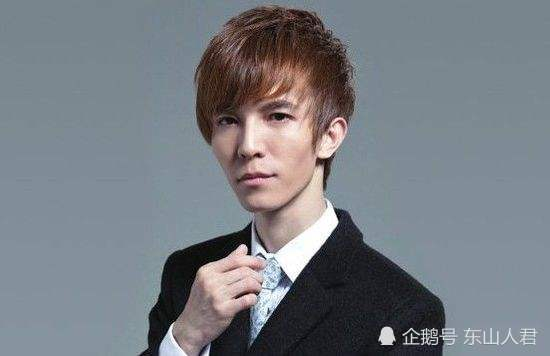 告别黄毛小子,郭敬明10年来首次染黑发,看来不得不服老了