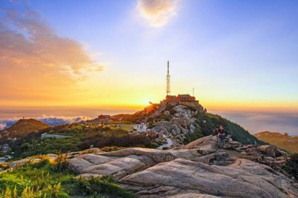 登顶泰山,俯瞰众生,人生刺激感莫过于此